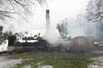 FOTO: Roubenka v Rynarticích lehla popelem