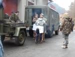 OBRAZEM: Vyprošťovací polévku přivezli veteráni až před dům