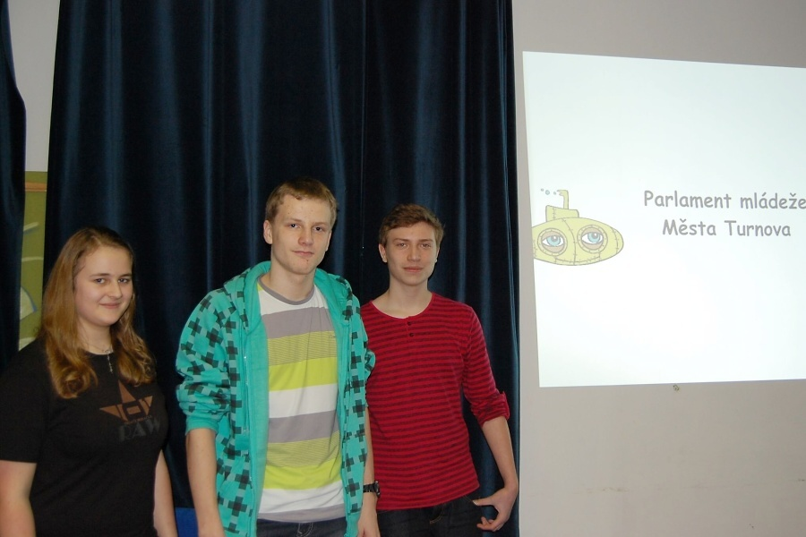 První oficiální zasedání Parlamentu mládeže města Turnova<br />Autor: Kateřina Doubravová