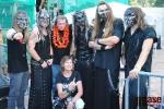 Třetí koncertní sobota v areálu Rotextile v Rokytnici nad Jizerou - focení démonů Dymytry s fanoušky
