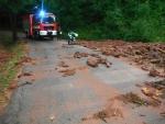 Naplavené kameny na silnici za Libštátem