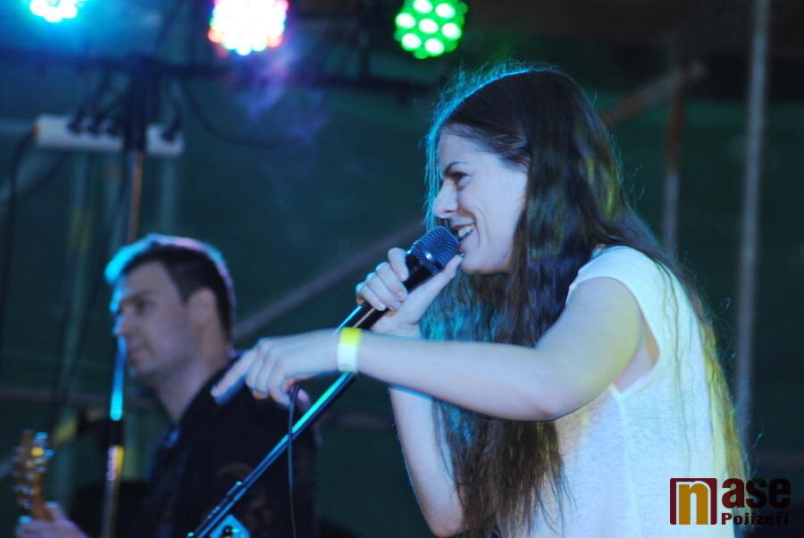 Šestá koncertní sobota v rokytnickém areálu - Alanis Morrisette revival<br />Autor: Petr Ježek