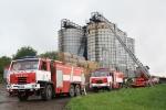 FOTO: S požárem sila bojovalo šest hasičských jednotek