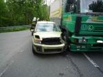 Nehoda osobního a nákladního auta v Dolánkách u Turnova
