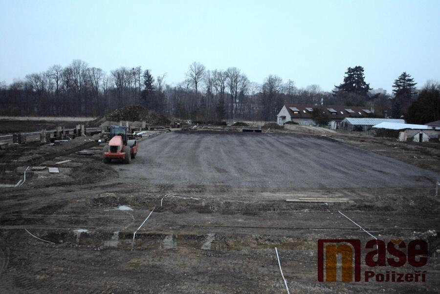 Stavba zimního stadionu v turnovské Maškovce<br />Autor: Petr Ježek