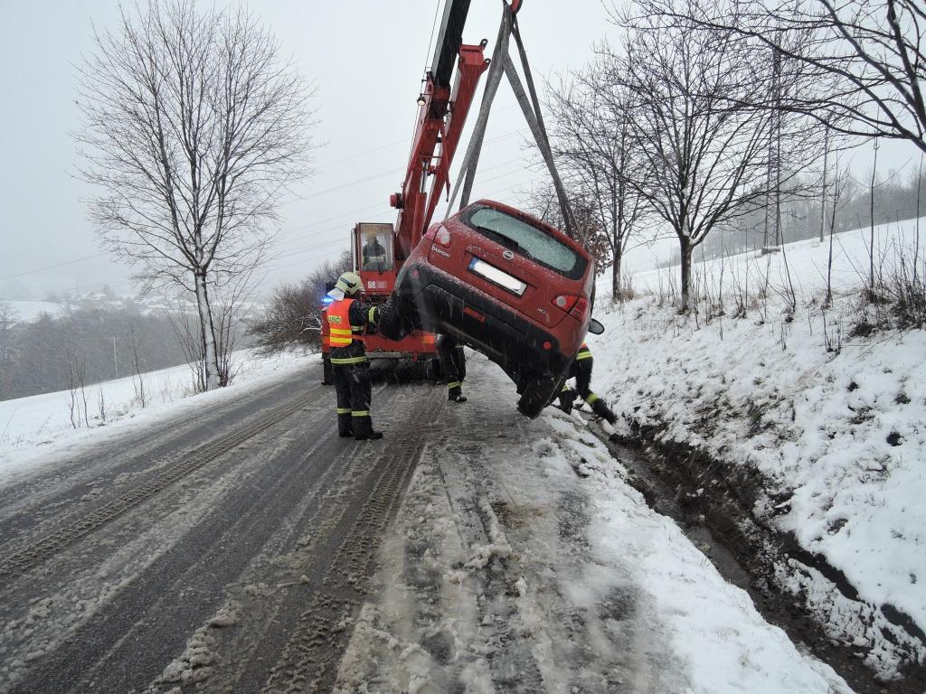 Dopravní nehoda Semily - Kozákovská<br />Autor: HZS Libereckého kraje, stanice Semily