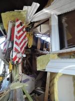 Ve Frýdlantu v ulici Luční narazil jeřáb do rodinného domu