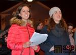 Obrazem: Zpívání koled na vrchlabském náměstí