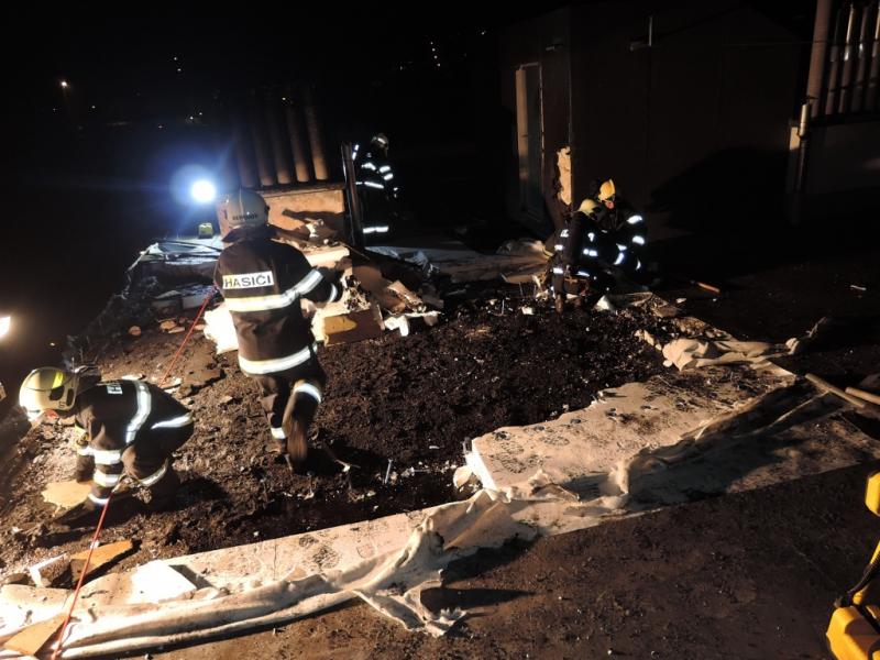 Požár na střeše paneláku v ulici Luční v Semilech<br />Autor: HZS Libereckého kraje, PS Semily