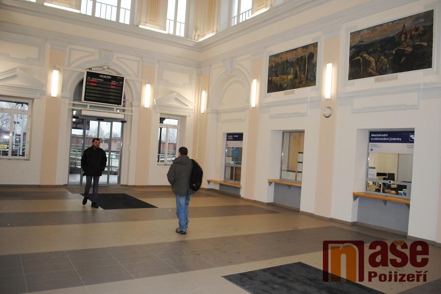 Opravená budova nádraží ČD v Turnově<br />Autor: Petr Ježek