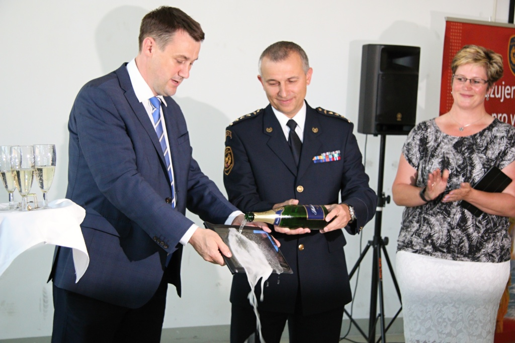 Celkem  110 tabletů bylo předáno vybraným dobrovolným hasičům obcí Libereckého kraje