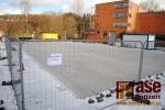 Průběh stavění mobilního ledového kluziště v Semilech