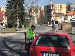 Kontroly policistů u přejezdů a na nástupištích