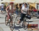 9. ročník spanilé jízdy na retro kolech z Jelení Hory do lázní Cieplice nazvané Rowerova Parada Retro