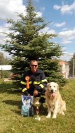 Kynolog HZS Libereckého kraje nstržm. Pavel Málek zúčastnil závodu záchranných psů