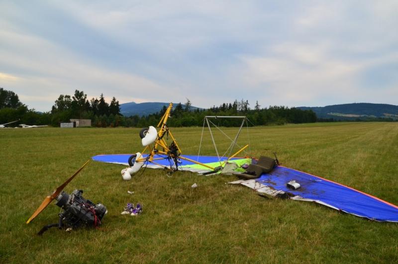 Pád motorového rogala na letišti v Hodkovicích nad Mohelkou