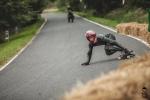Závod v downhilll skateboardingu Kozákov Challenge 2017