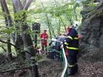 Hasiči zasahovali na Riegrově stezce při pádu dvou osob