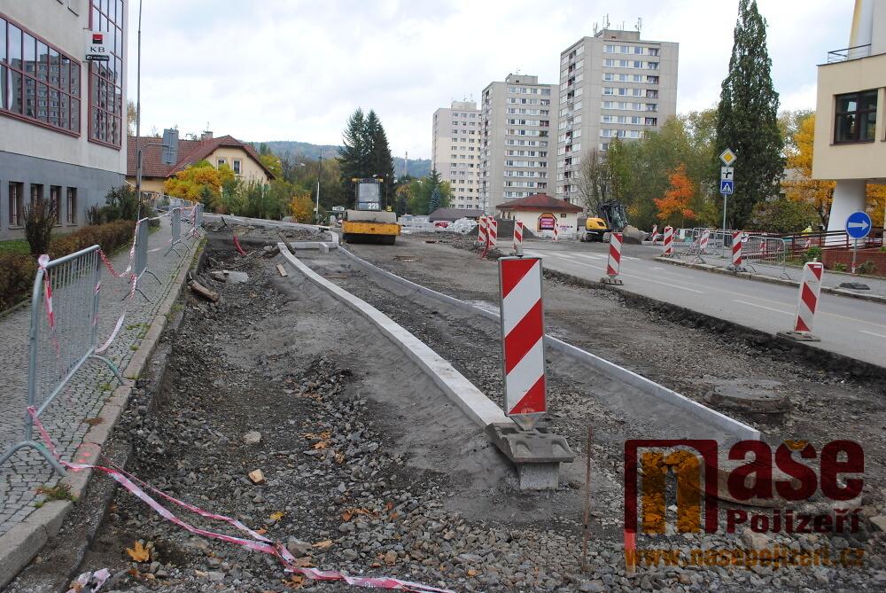 Výstavba kruhových křižovatek v Semilech - snímky 12. 10. 2017<br />Autor: Petr Ježek