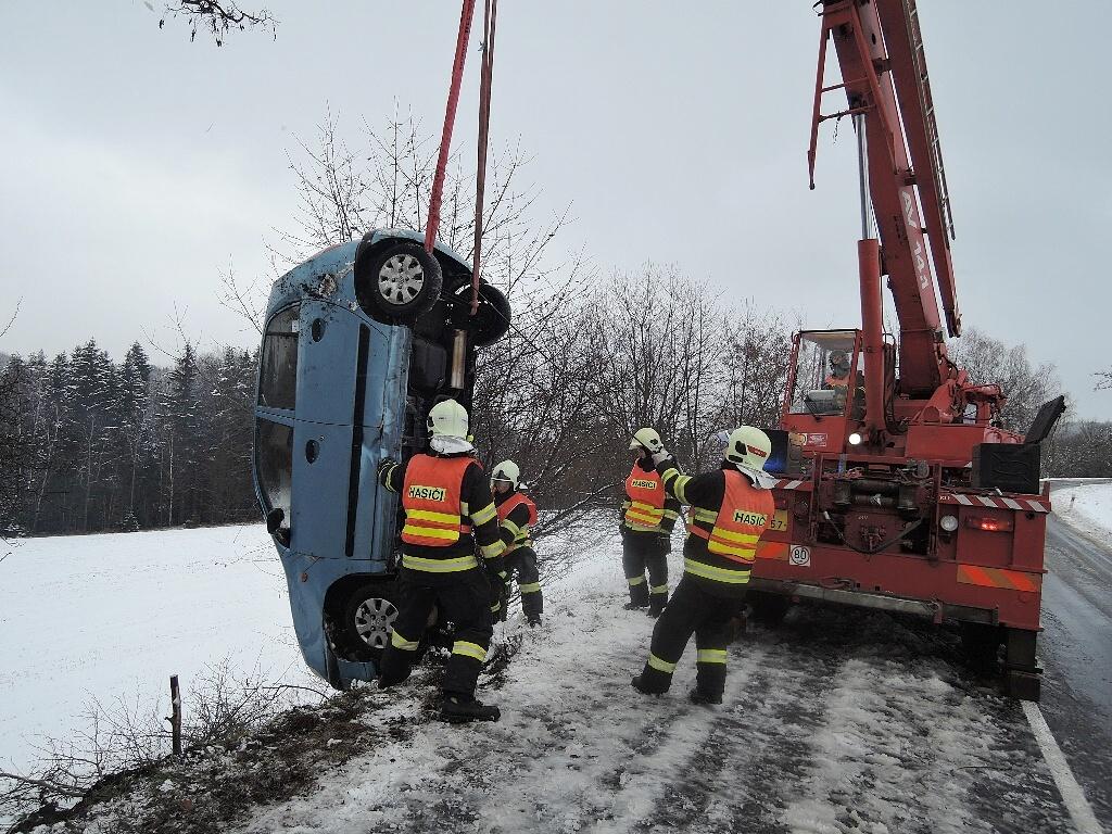 Nehoda v Proseči u Semil<br />Autor: HZS Libereckého kraje, stanice Semily