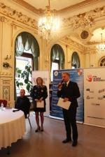 Slavnostní vyhlášení vítězů výtvarné soutěže Buď vidět nejen na podzim v liberecké kavárně Pošta