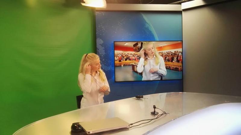 Tereza Fligrová ve studiu České televize v Hradci Králové a Hitradiu Magic