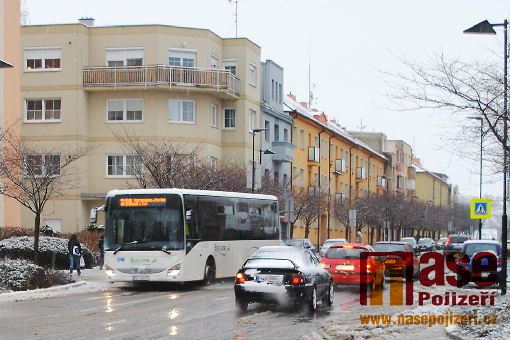 Dopravní situace v Nádražní ulici v Turnově