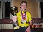 Luboš Komínek s poháry a medailemi