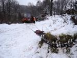 Vyprošťovací jeřáb hasičů v akci