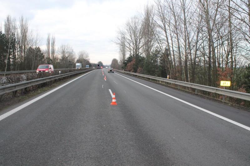 Nehoda kamionu na dálnici u Přepeř