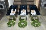 Slavnostní uložení ostatků jilemnických Valdštejnů do jejich hrobu v zámeckém parku