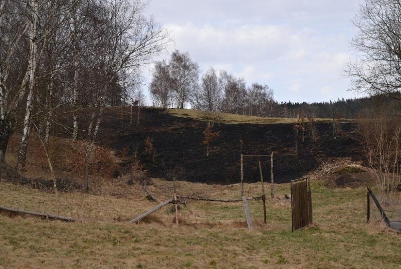 Následky po pálení trávy ve Vratislavicích nad Nisou<br />Autor: HZS Libereckého kraje, Tomáš Erban