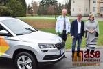 Předání vozu Škoda Karoq Pečovatelské službě Vrchlabí