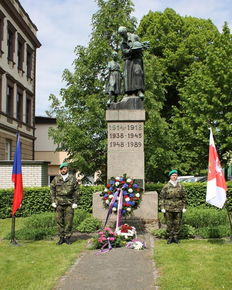 Pietní akt na Den osvobození v Turnově<br />Autor: Anna Šupíková