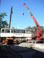 Stěhování historických tramvají v Technickém muzeu Liberec