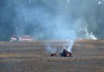 Požár pole v Radostné pod Kozákovem