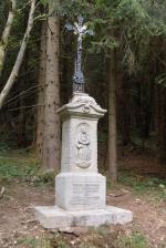 Obnovený křížek v Suchém dole v Krkonoších
