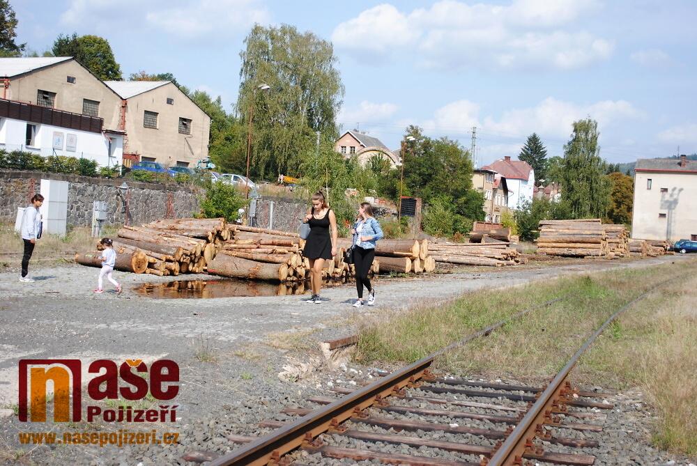 Železniční nádraží v Semilech před polednem v úterý 4. září 2018<br />Autor: Petr Ježek