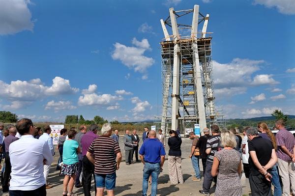 Setkání zástupců VHS Turnov pod stavbou vodojemu v Ohrazenicích