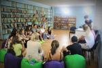 Komunitní centrum pro mládež snovou knihovnou v Kvemo Chala