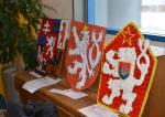 Děti tvořily státní znaky z recyklovatelných materiálů