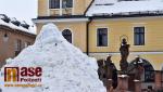 Na jilemnickém náměstí začala vznikat sněhová socha Krakonoše