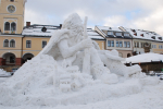 Sněhová socha Krakonoše na jilemnickém náměstí