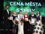 Cenu města Semily za rok 2018 obdrželi Lenka Holubičková a KČT