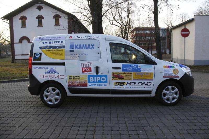 Předání sociálního automobilu pro Spolek Fokus Semily<br />Autor: Archiv Kompakt s.r.o.