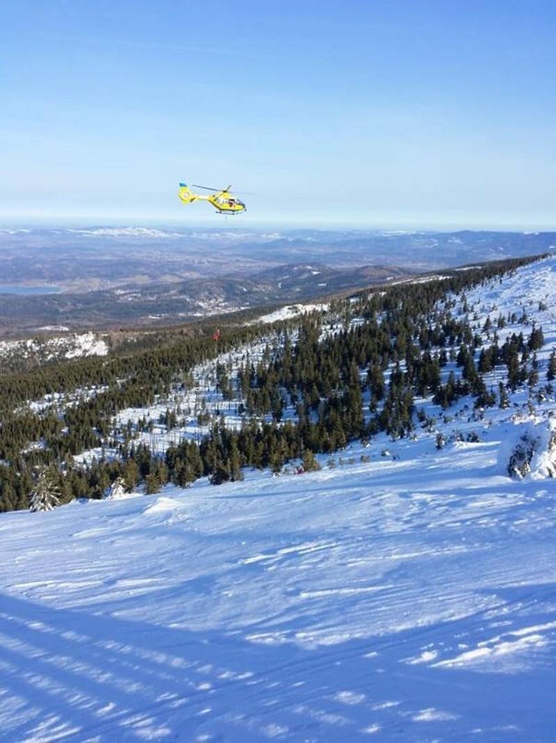 Zásah záchranářů na zledovatělé cestě mezi Špindlerovou boudou a Sněžkou<br />Autor: Horská služba Krkonoše
