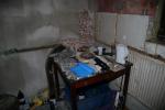 Zadržené věci ve výrobně drog v Příkrém u Semil