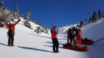 Záchrana turisty na silně zledovatělé stráni v údolí Bílého Labe