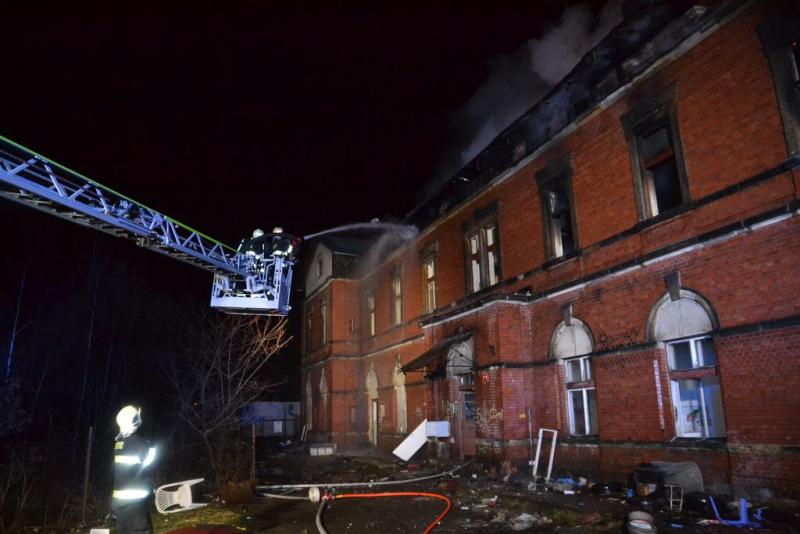 Hořící budova v místní části Liberec - Rochlice<br />Autor: HZS Libereckého kraje