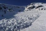 Lavina spadla v západní části Krkonoš